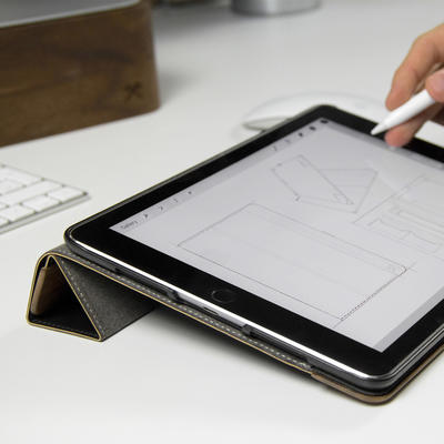 Woodcessories EcoFlip Walnuss für iPad Pro 12.9