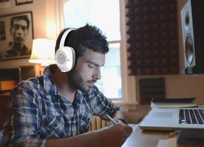 KOSS BT539iW Bluetooth Kopfhörer Weiss